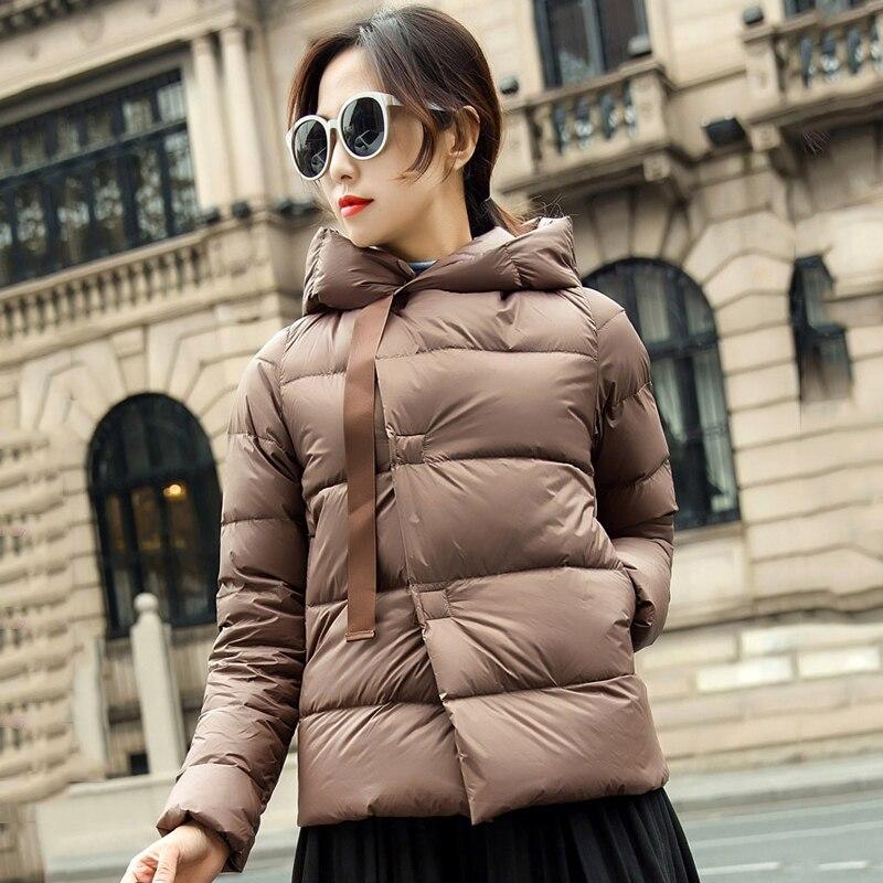 Abrigo de invierno para mujer, chaqueta ultraligera acolchada, chaquetas de marca, Parkas sin peso, Parka con capucha, chaquetón informal con botones, prendas de vestir
