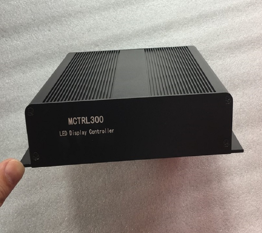 NovaStar MCTRL300 control system, LED display full-color sending card, LED screen controller NovaStar sending box,