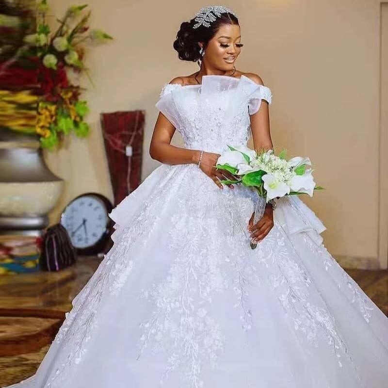 حجم كبير عاري الكتف الأميرة أفريقيا فساتين زفاف دانتيل زينة Ruched حبة البلد حديقة فستان عروس الثياب