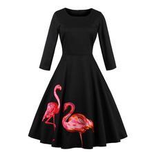 Aliexpress est un vendeur chaud en automne et en hiver. La robe brodée à col rond surdimensionnée de style chaud pour les femmes est discrète et noble