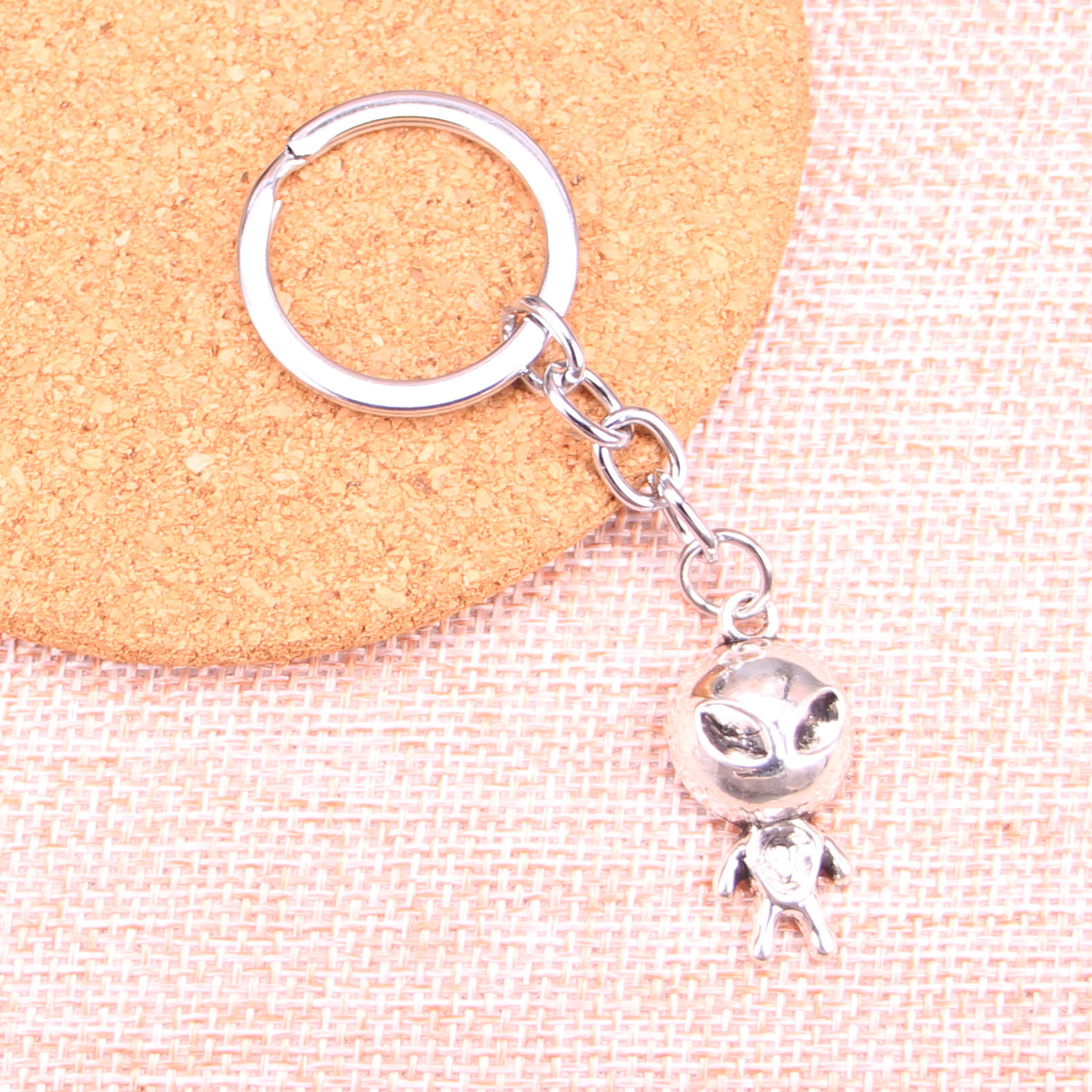 20 porte-clés alien et, pendentifs 31x15mm, pour voiture, porte-anneau porte-clés, Souvenir, bijoux, cadeau