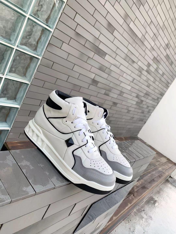 2021 السيدات حذاء كاجوال السنة الجديدة السيدات أحذية حذاء رياضي على الموضة تنفس السيدات الأحذية الرياضية