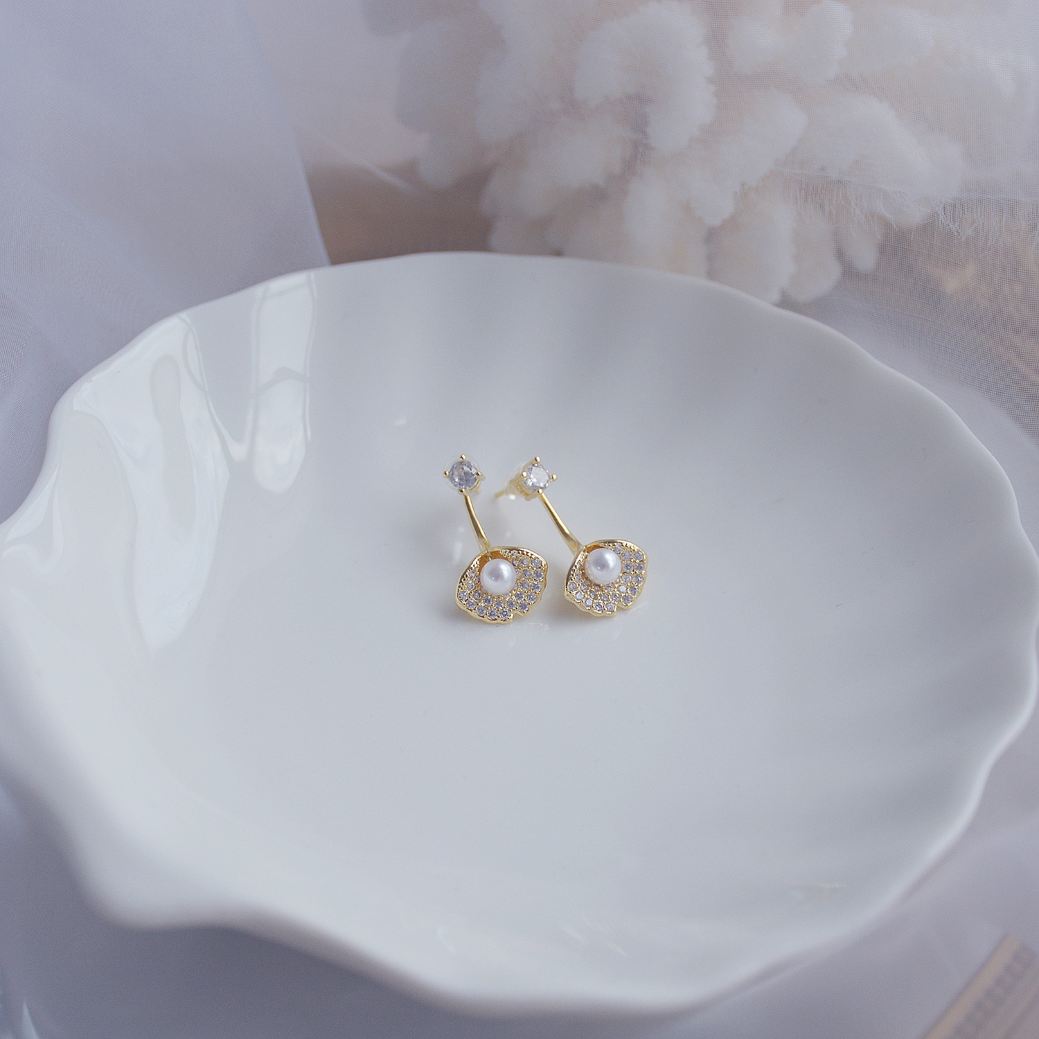 jewelry design Elegant Exquisite 14K Real Gold Pearl Ginkgo Leaf Design Stud Earrings for Women Cubic Zircon ZC Earrings  - buy with discount