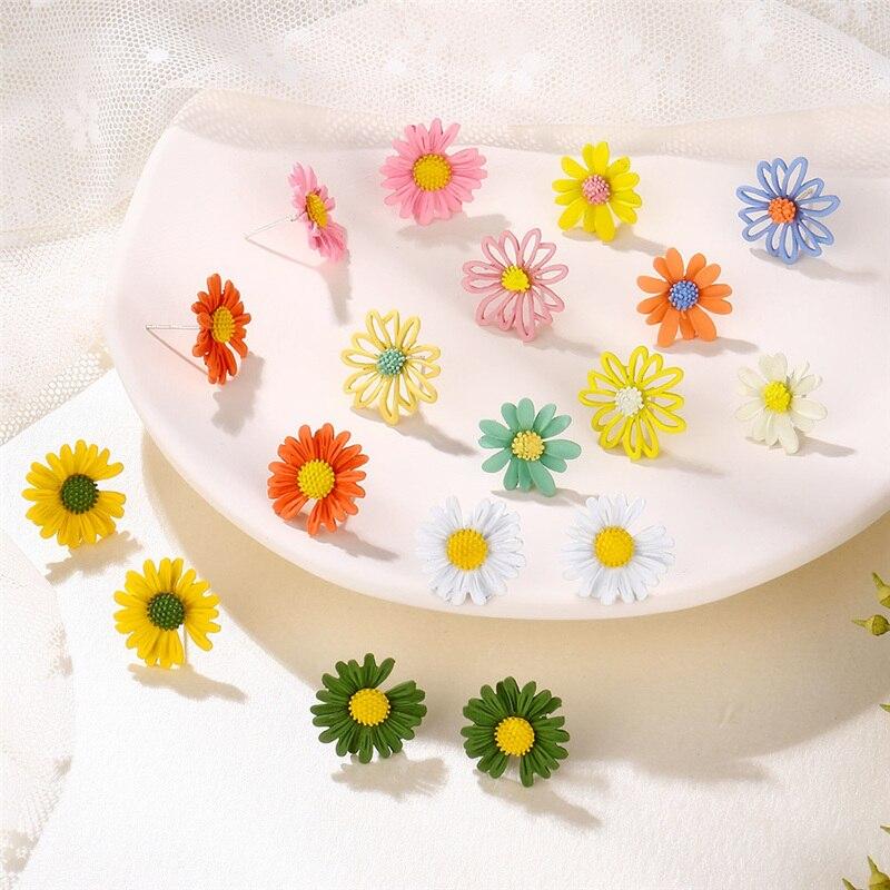 Coreano pequeño pendientes de Metal lindo flor Stud pendientes para las mujeres de moda adorable Margarita pendiente Femme Brinco, joyería de verano, regalos