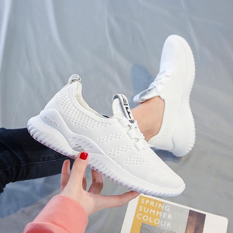 Primavera e Verão Sapatos de Placa de Moda Tênis de Corrida sem Deslizamento Superfície Líquida Respirável Lazer Esportes Feminina Sapatos 2021