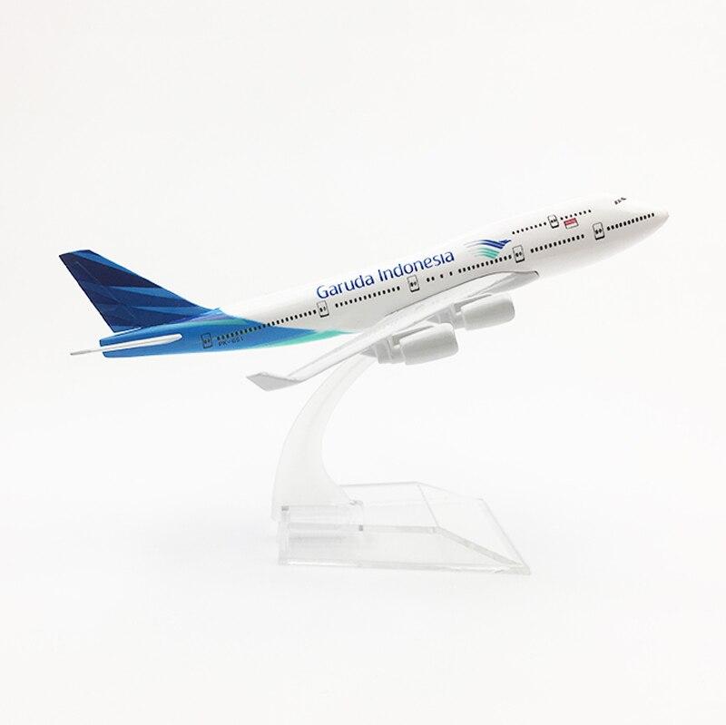 Modelo de avión de Metal de escala de 1/400, aerolíneas de Indonesia, Garuda, Indonesia, Boeing, 747, B747, colecciones de fundición de aviones, regalo para niños