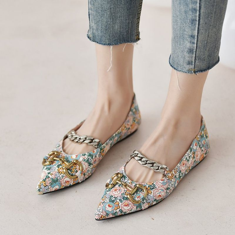 Summer New Pu Products Women Fashion Metal Button Decorative Flat Bottom Casual Shoes Comfortable Ho