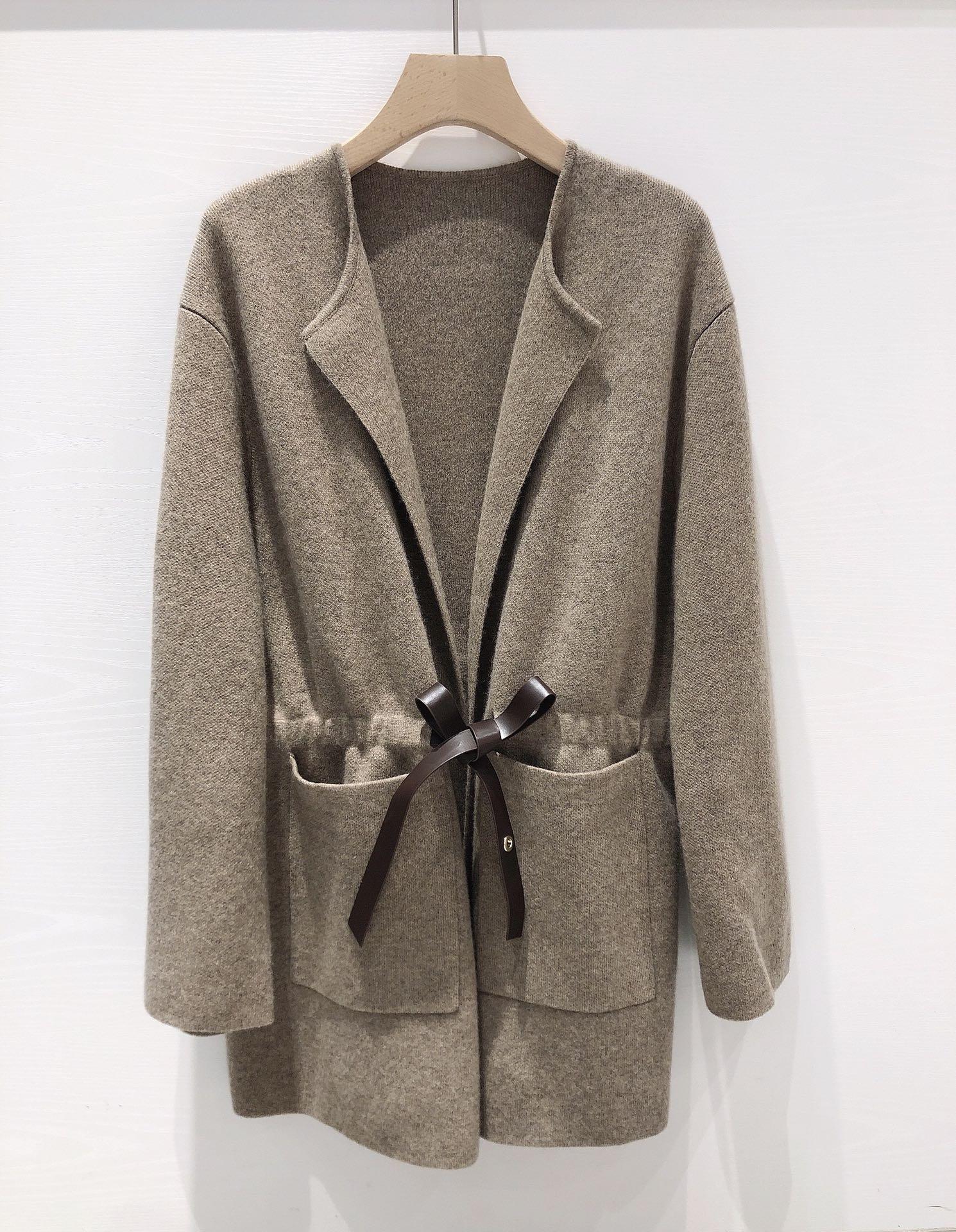 2021 نساء موضة جديدة عالية الجودة بأكمام طويلة الخامس الرقبة التعادل معطف قصير معطف 0917