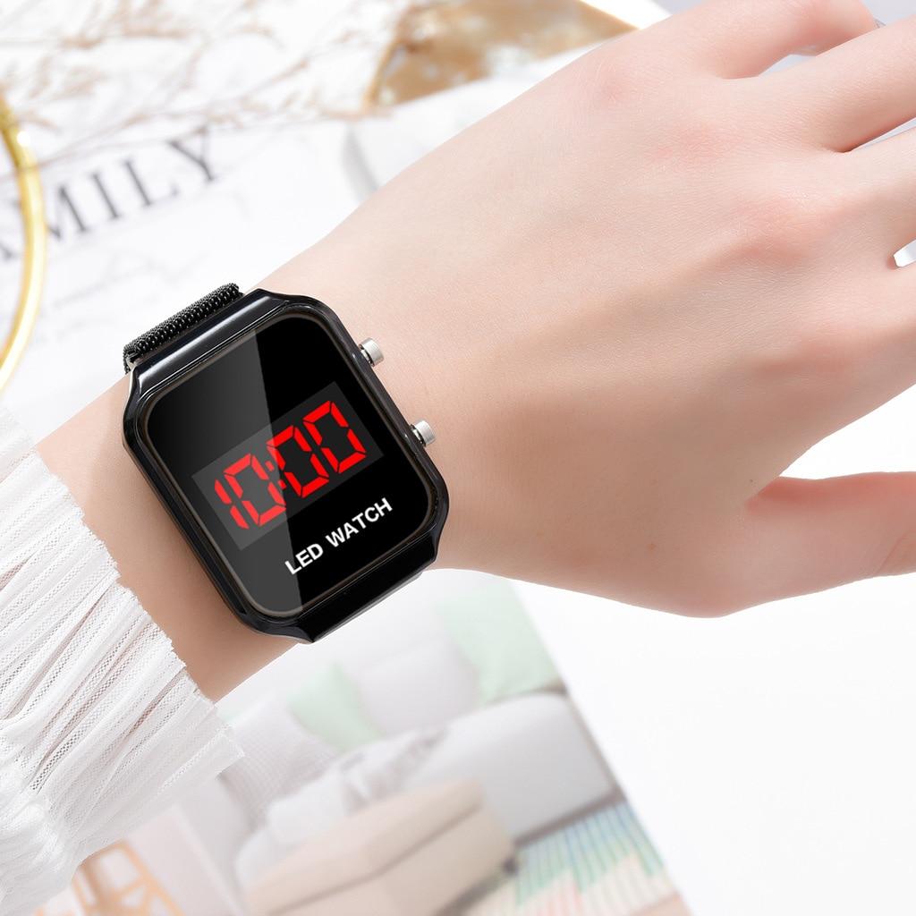 2020 New LED Watches Magnetic Mesh Band Ladies Wristwatches Fashion Casual Sport Electronic Watch Digital Clock zegarek damski