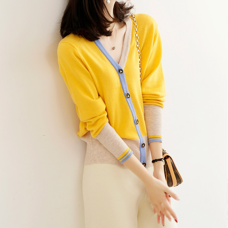 Fashionable and Beautiful Knitted Cardigan Coat for Women Contrast Color Sweater 2021 Women's New Te