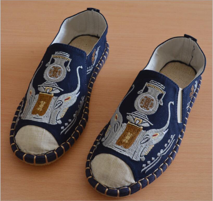 أحذية قماشية للرجال من يونان ، أحذية ترفيهية مريحة ومسامية مع تطريز عرقي من مقاطعة دالي