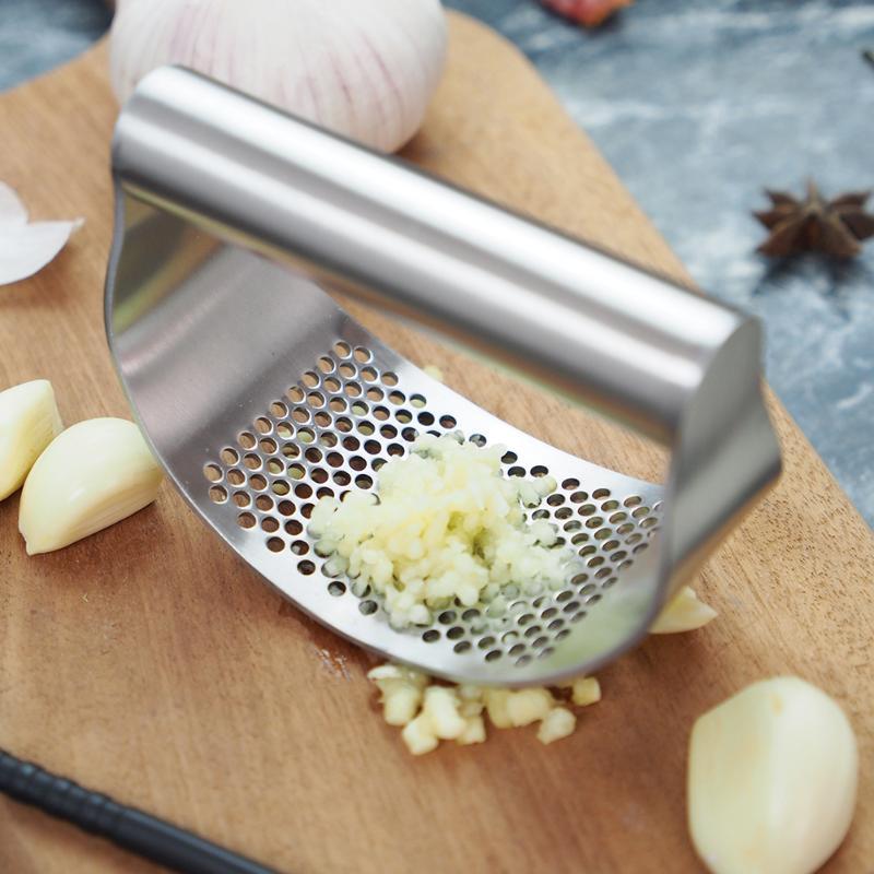 Edelstahl Knoblauch Presse Durable Hand Hacken Masher Gebogene Knoblauch Roll Tool Home Küche Kochen Zubehör