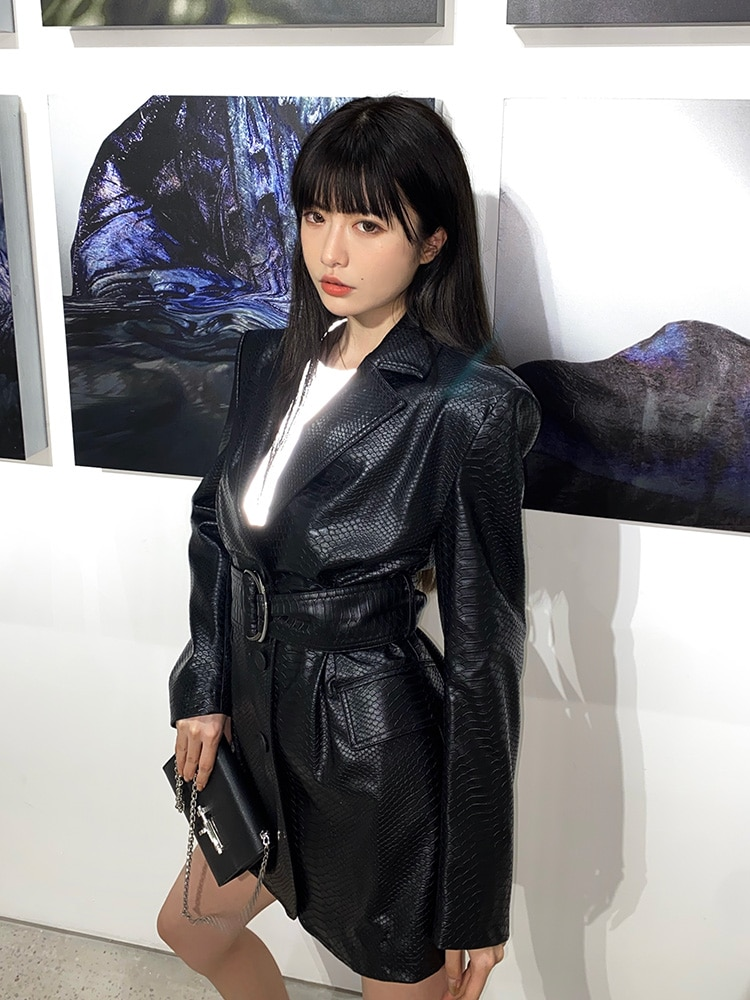 Big brand winter ladies PU coating faux leather crocodile pattern fashion blazer 2020New long sleeve belt office coat jacket XL enlarge