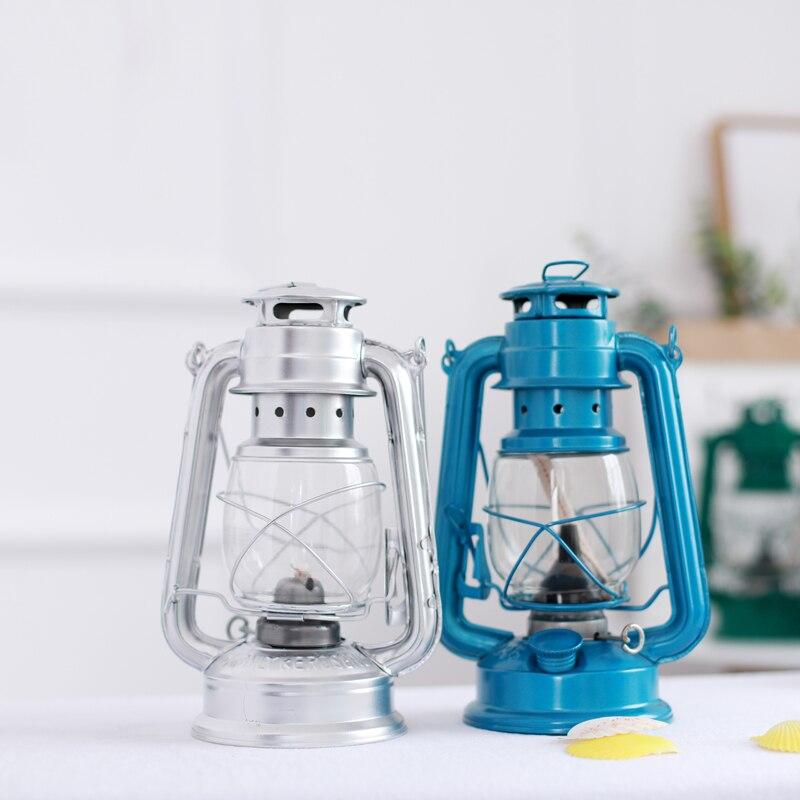 Lámpara de queroseno de hierro de estilo Retro, decoración de escritorio de cristal nostálgica creativa, accesorios artesanales, práctica lámpara portátil de Camping al aire libre