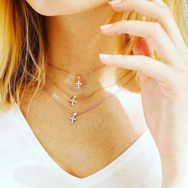 Real 925 Plata pequeña color dorado rosa dije colgante de Cruz collar con cz pavé diminuto gargantilla Collar para las mujeres de la boda