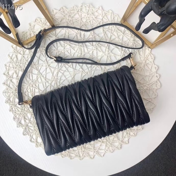 2020 new arrival branded lamb leather women chain crossbody bag shoulder bag ruched soft min bag for lady free shipping