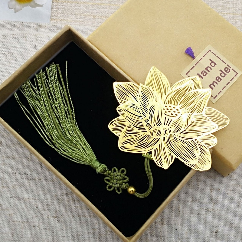 Chinese Style Metal Hollow Bookmark Lotus Lotus Leaf Bookmark Creative Stationery Fine Holiday Gifts Art accessories chinese style metal hollow bookmark lotus lotus leaf bookmark creative stationery fine holiday gifts art accessories