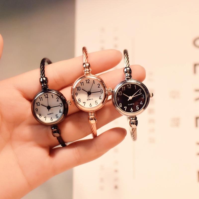 Small fashion women watches 2019 popular brand simple numbers bracelet watch retro ladies quartz wri