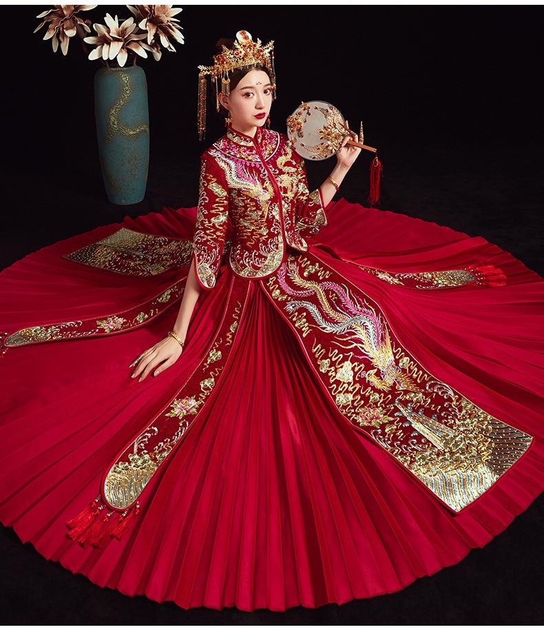 فستان زفاف صيني تقليدي مناسب مطرز بالذهب فستان شيونغسام أنيق أنيق عروس عتيق