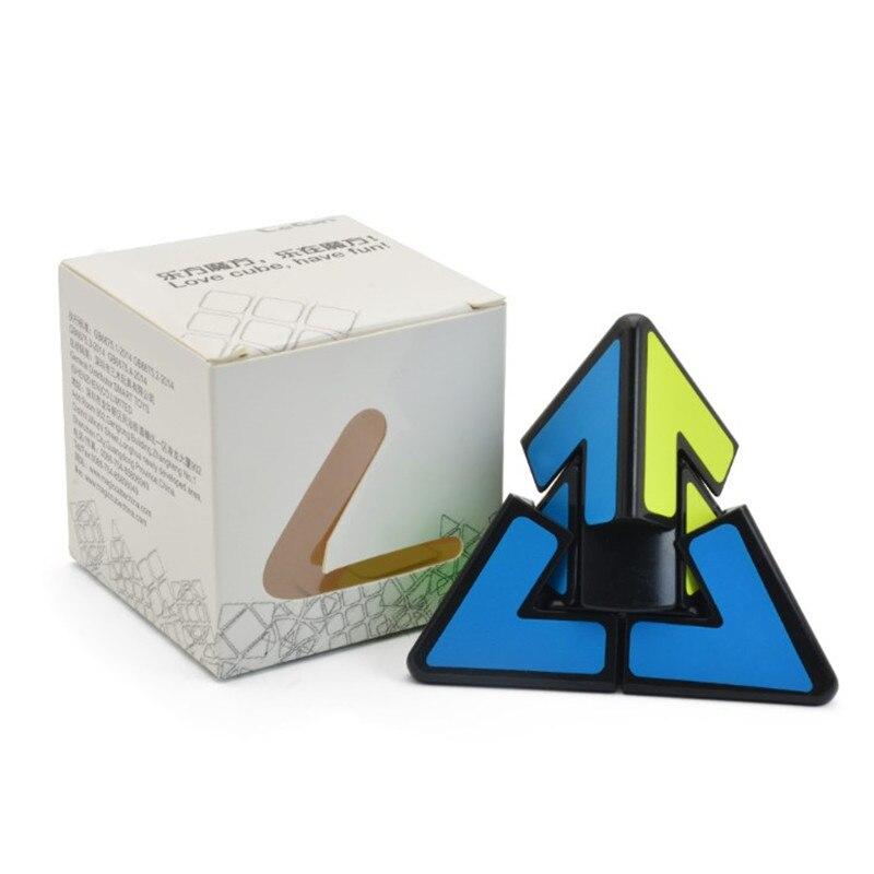 2x2 dois passos engraçado pirâmide cubo mágico abs material triângulo pirâmide cubos mágicos puzzle brinquedo para criança adulto presente de natal