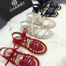 2020 français CHAREI cc été gelée chaussures sandales avec rivets rose brillant en cuir verni confortable antidérapant conception de haute qualité