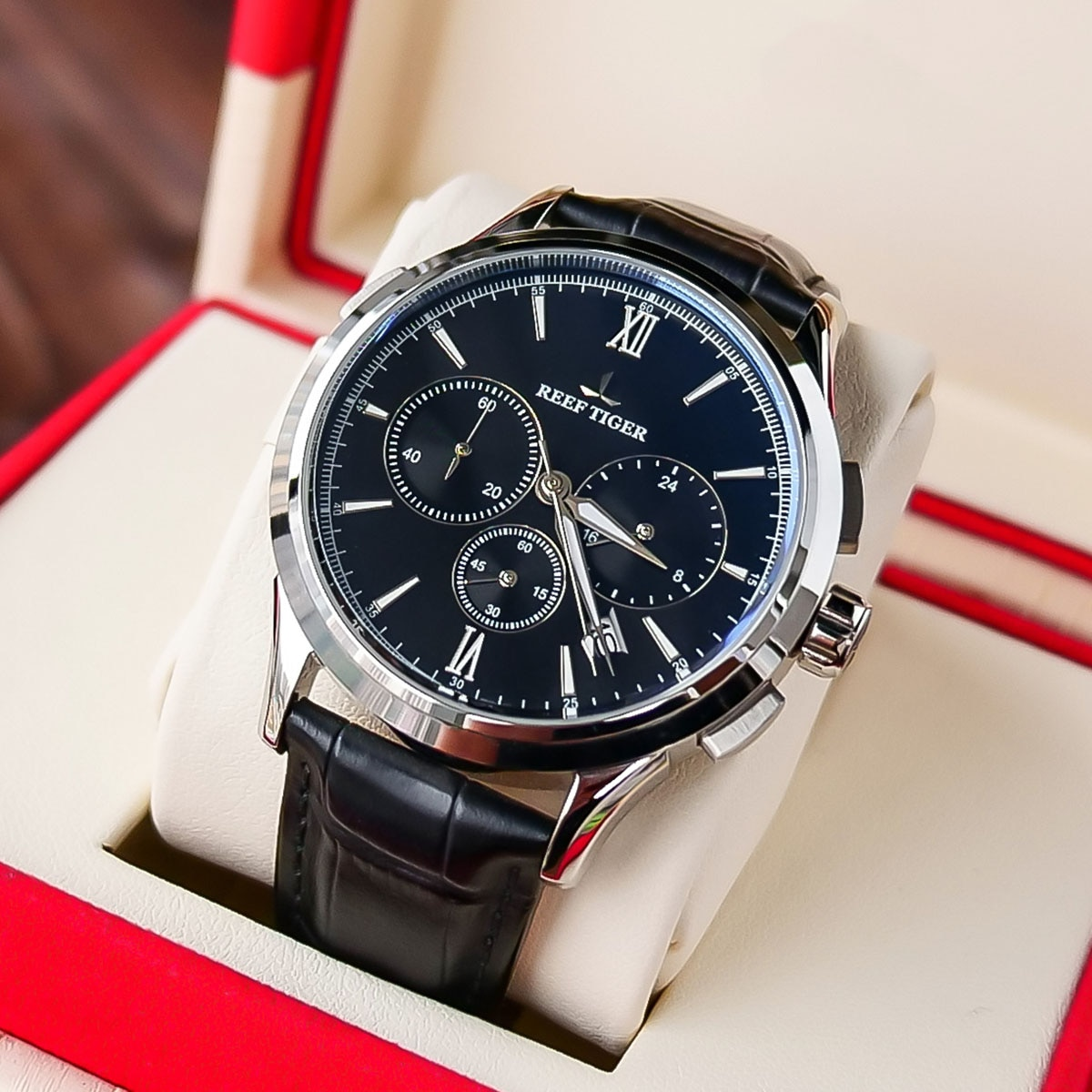 2021 Reef Tiger/RT Top Brand Luxury Date Men Watch Black Dial Steel Black Leather Strap Chronograph
