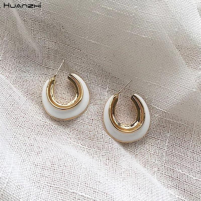 HUANZHI 2019 Simple nuevo, caída de esmalte de oro de Metal en forma de C ovalado Irregular pendientes de aro pequeño para mujer joyería