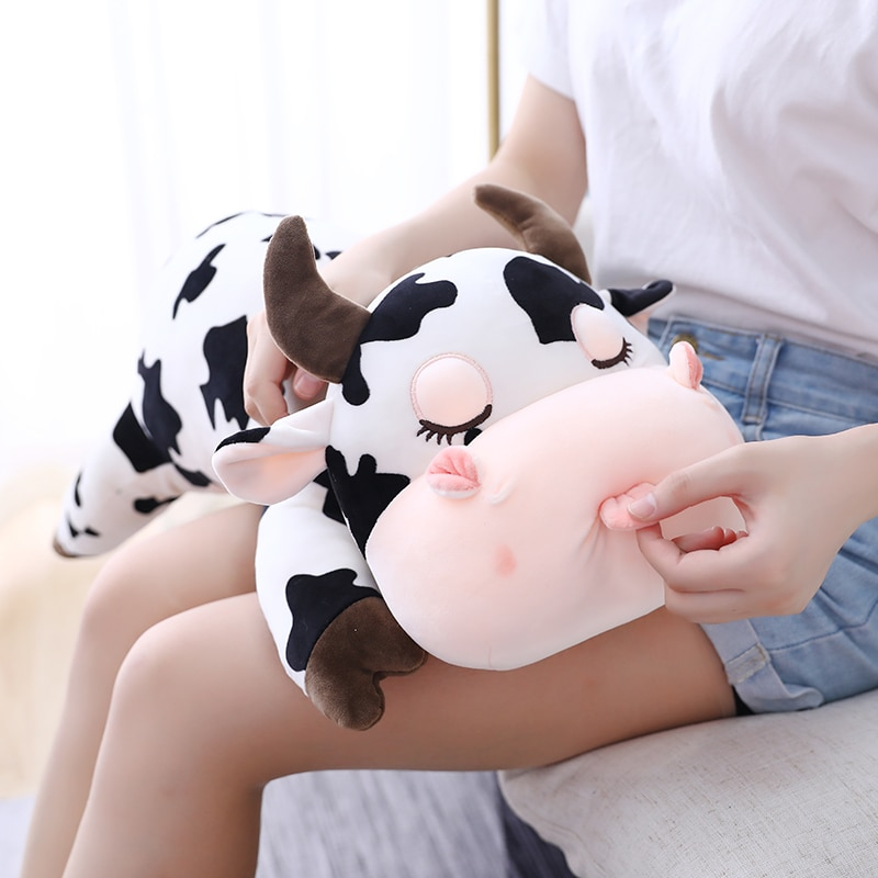 free shipping lovely milk cow plush pillow toys soft stuffed cartoon animal cattle doll bedroom sleeping pillow cushion 30cm Cute Cow Plush Stuffed Dolls Lovely Real Life Milk Cattle Plush Toys Soft Nap Pillow Cushion Cartoon Kid Baby Birthday Gift