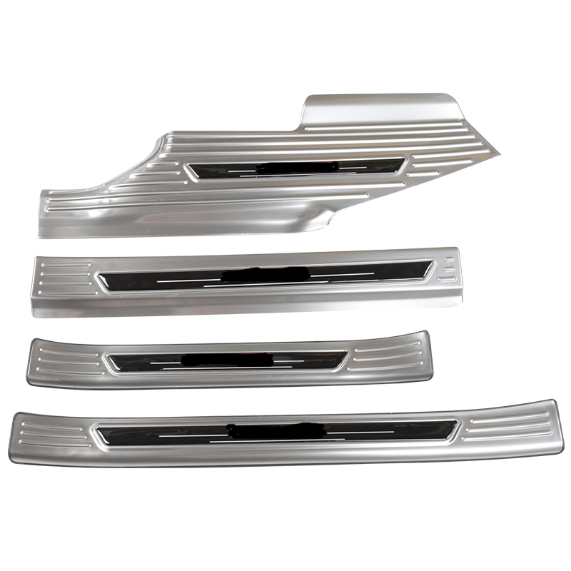 For Chevrolet  Blazer RS 2020 High-quality Stainless Steel Threshold bar Trunk Threshold Guard Plate Anti-Scratch Car Accessorie