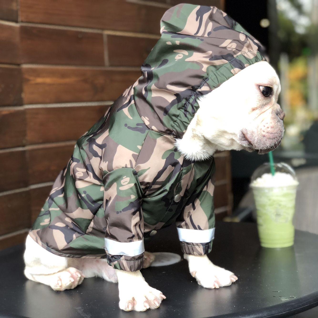 Capa de Chuva do Cão Impermeável à Prova de Vento Capa de Chuva Camuflagem Reflexiva Vários Tamanhos Pet