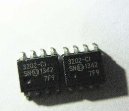 1PCS MCP3202-CI/SN MCP3202 3202-CI SOP-8