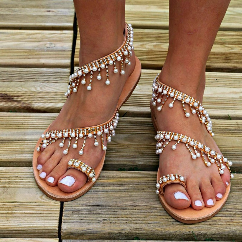 Brand shoes 2021 fashion flat slippers banquet shoes tide pearl sandals Rome flat women's flip flops casual beach shoes