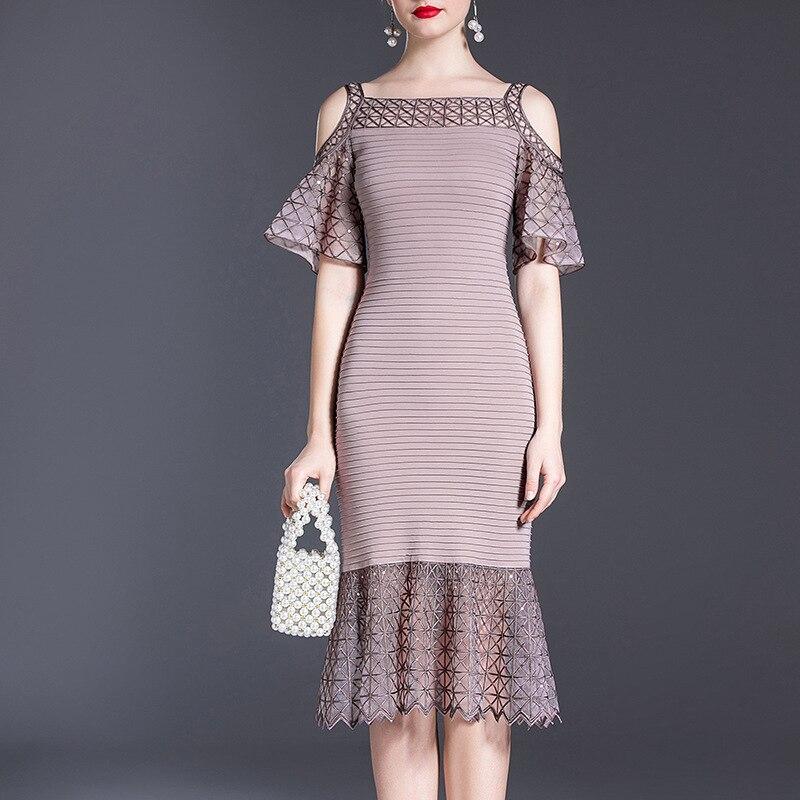 ملابس نسائية في منتصف العمر ، تطريز ثقيل ، ساحات كبيرة ، فستان نسائي في منتصف العمر في صيف عام 2020 ، حزمة جديدة على الوركين