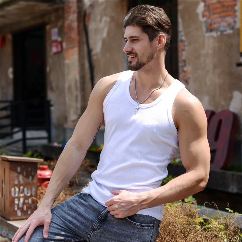Camiseta sin mangas para hombre de chaleco muscular de con cuello redondo...
