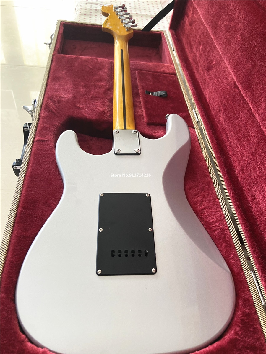 The high quality inherits the classic metal silver powder electric guitar black guard plate free shipping enlarge
