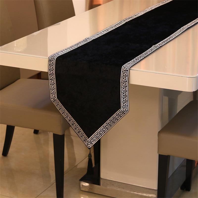 جديد الصينية الراقية سماط العلم خزانة أحذية غطاء من القماش الأوروبي سرير مخملي عداء بسيط اللون مفرش طاولة