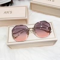 2021 new fashion tea gradient sunglasses women ocean water cut trimmed lens metal curved temples gafas de sol mujer female uv400