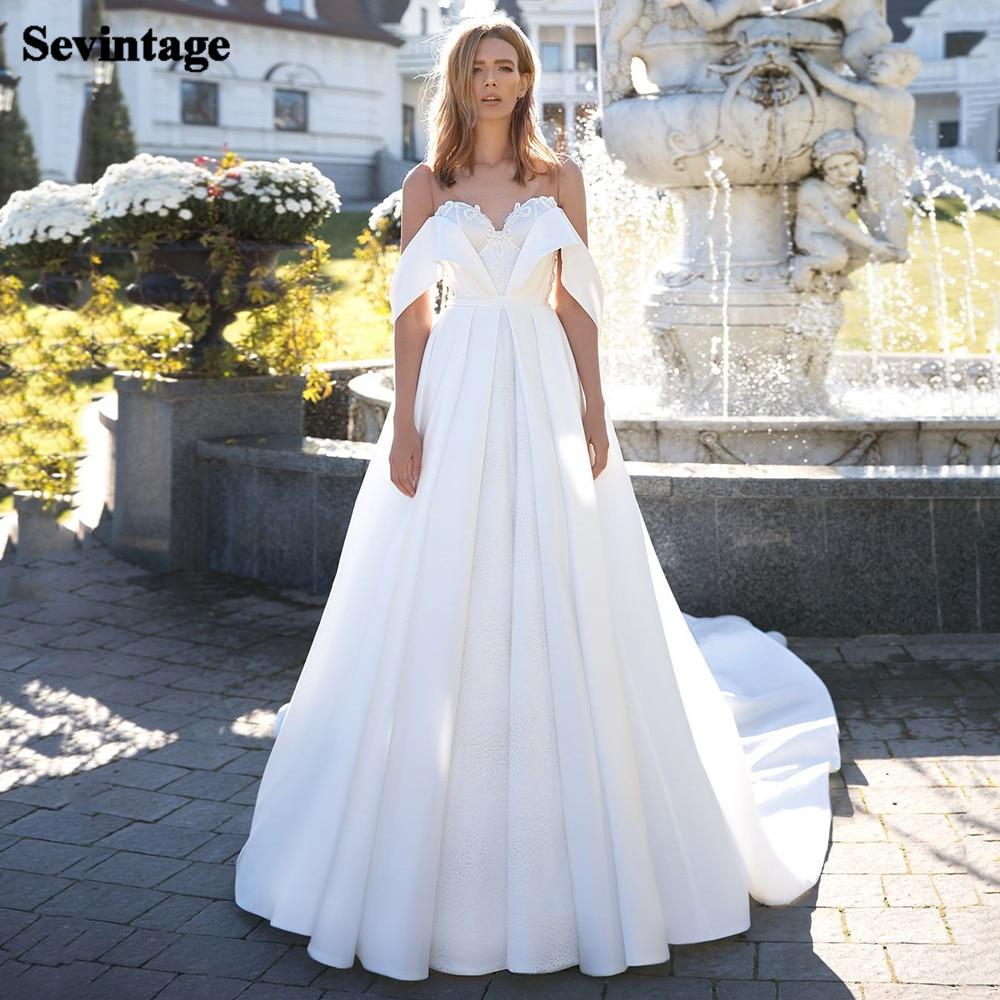 Sevintage Lace Boho Wedding Dresses A-Line Off the Shoulder Bride Wedding Gowns Princess Satin Buttons Bridal Dress 2021