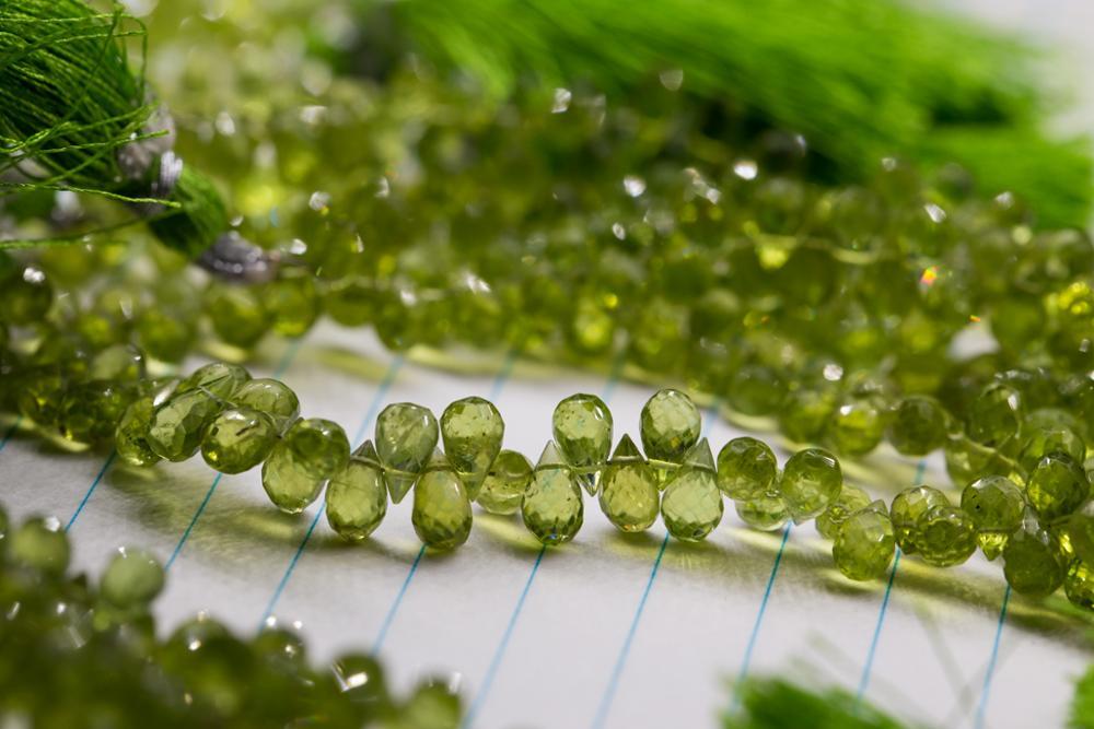 Cuentas sueltas verde peridoto gota facetadas 4*7mm 20cm para hacer joyería DIY FPPJ cuentas al por mayor naturaleza la piedra de la gema