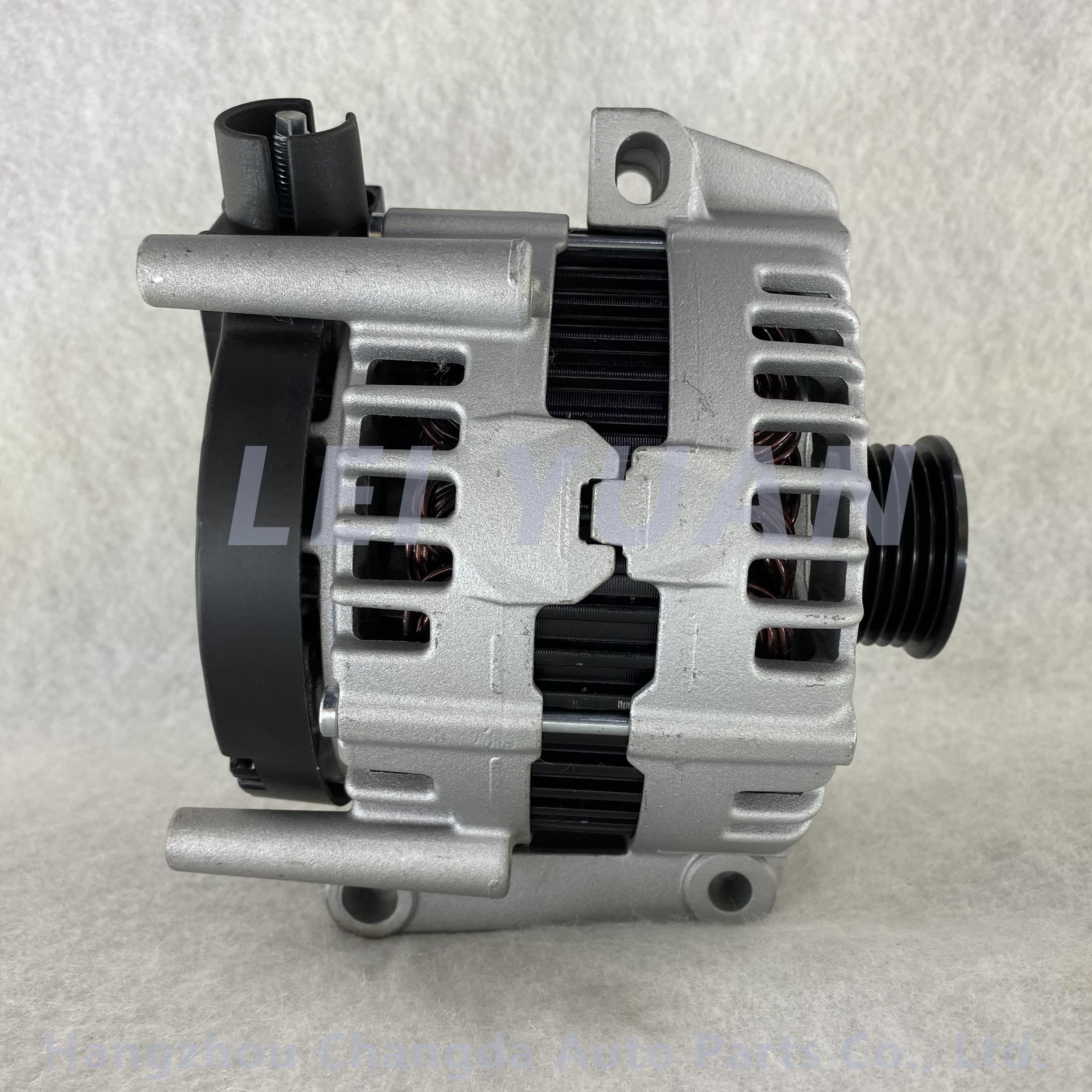 Hot sale car alternator for VOLVO XC90 4.4 0121715102 30667524 8603605 enlarge