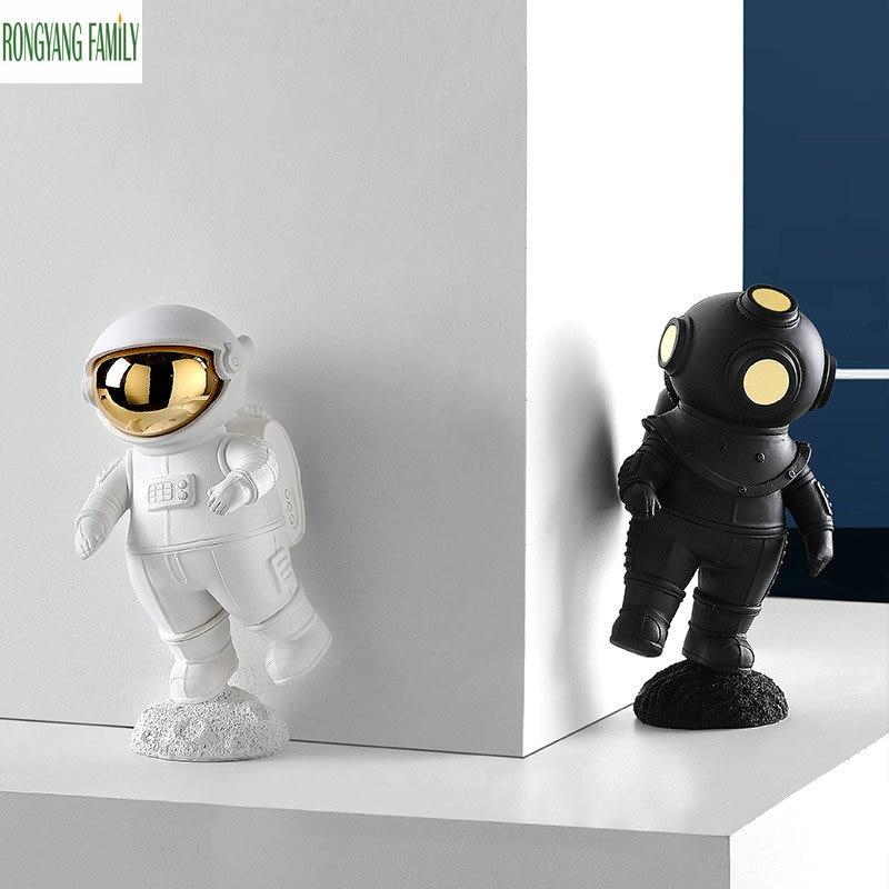 Estatua de astronauta espacial, escultura de Cosmonautas para decoración del hogar, figuras de moda creativas de estilo nórdico, figuras en miniatura para escritorio de oficina