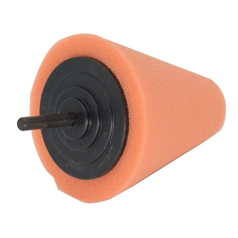 Инструмент, пенопластовые подкладки, колеса ступицы колеса, автомобильные многократные конусы