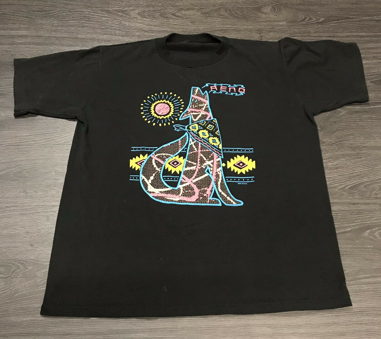 Vintage 1989 Reno Nevada T Shirt Mens Large Wolf Neon Tribal Single Stitch