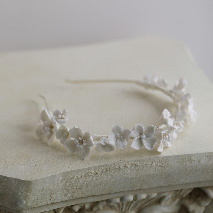 Diadema Vintage con cuentas de flores blancas para mujer, tocados plateados/dorados elegantes...
