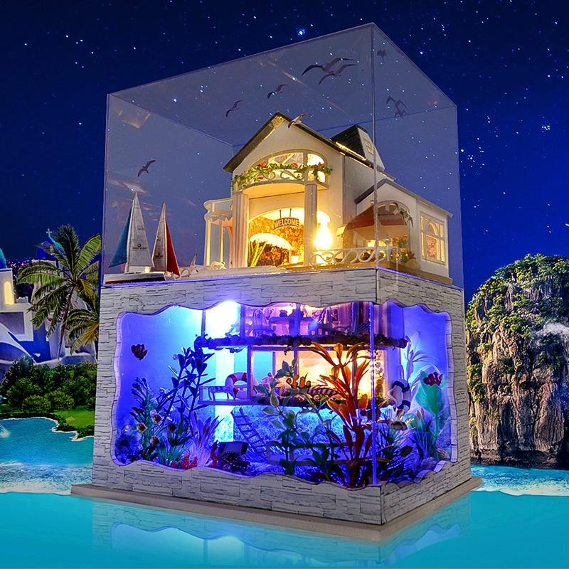 DIY De Madeira 3D seaside villa Casa De Bonecas modelo boneca casa românticas Havaiano montado com LED tampa protetora contra poeira micro paisagem brinquedos menina