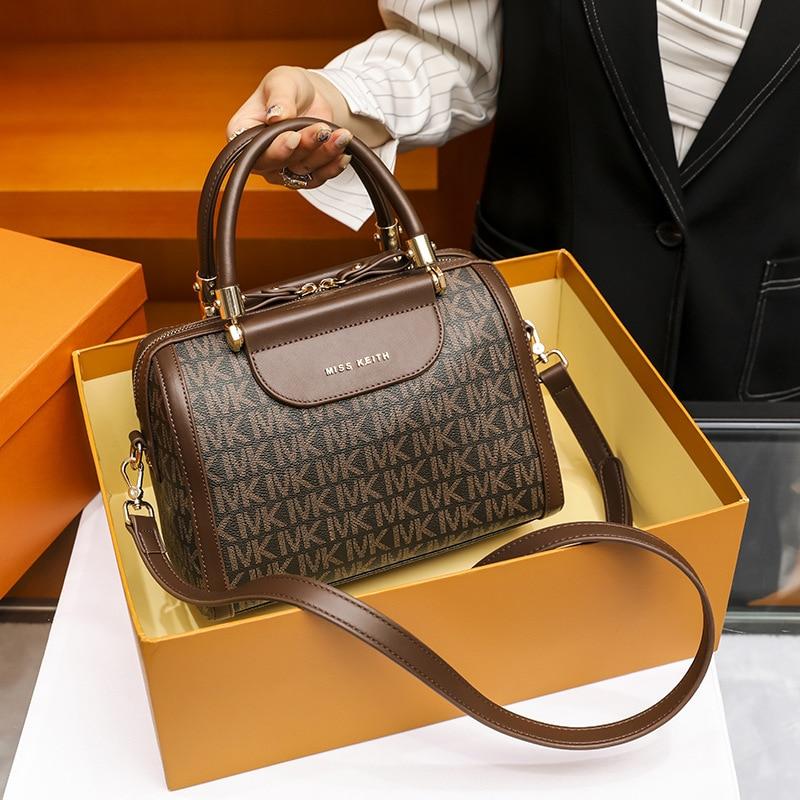 Women's bag 2020 new luxury fashion fashion messenger bag large capacity Boston pillow one shoulder handbag women's bag