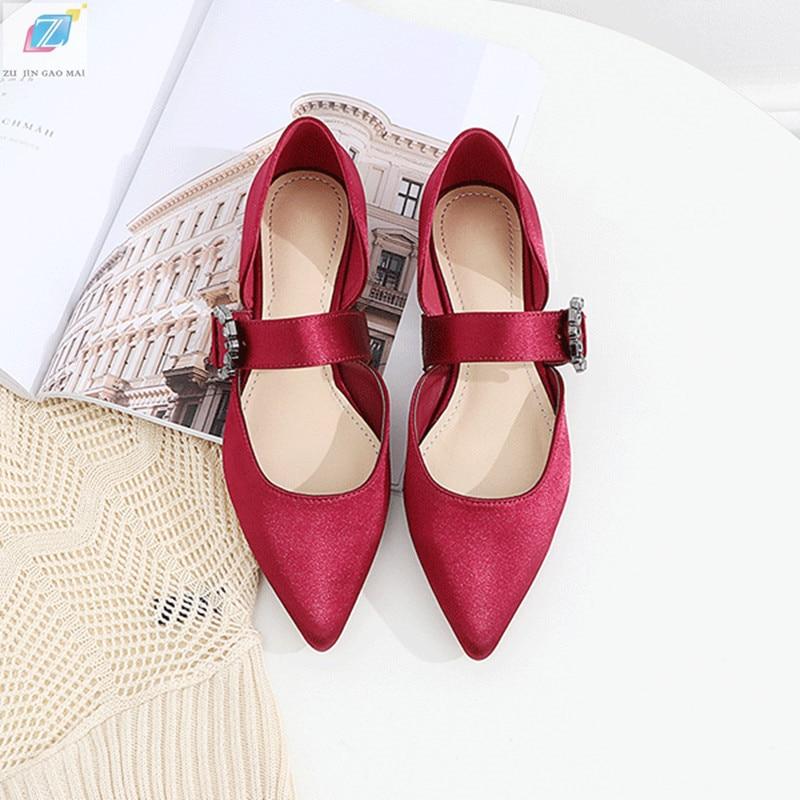 Sandalias de color vino y rojo, zapatos básicos para mujer, novedad de 2020, tela satinada con diamantes de imitación, punta estrecha, sandalias con huecos, zapatos casuales de moda para mujer