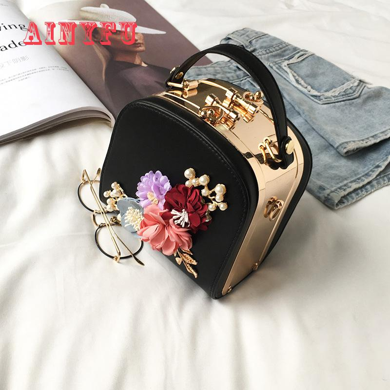 2020 Metal Clip Small Square Bag New Fashion Dinner Flower Shoulder Diagonal Handbag Bags  Shoulder Bags 822