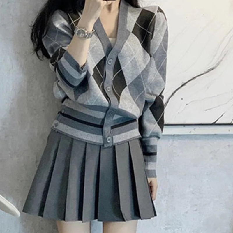 Knitted Cardigan Suit Early Autumn Salt Department Wear Fried Street Net Red Aging Temperament Light Mature Style Pleated