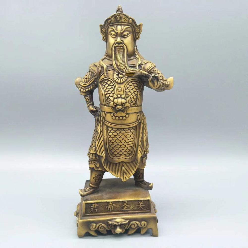 La figura de bronce guan shengjun implica valor y valor para ser incontrolable